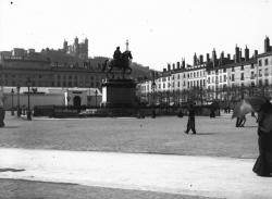[La Statue de Louis XIV : place Bellecour]