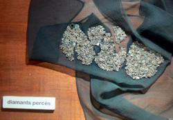 Exposition à l'office de tourisme sur la filière de diamant et les tireurs d'or à Trévoux