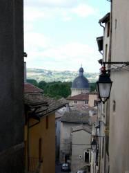 Les hauteurs de Trévoux : vue sur l'ancien Hôtel-Dieu