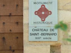 Entrée du château de Saint-Bernard