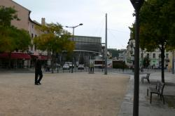 La médiathèque de Vaise, place Valmy