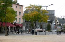 Façade de la médiathèque de Vaise, Place Valmy