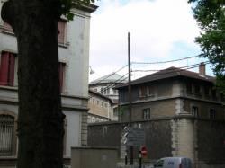 Vue sur les prisons Saint-Paul Saint-Joseph rue Smith