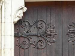 Église Sainte-Blandine : détail porche d'entrée