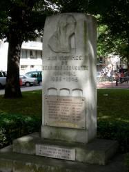 Aux victimes de derrière les voûtes (1914-1918 ; 1939-1945)