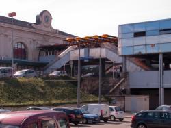 Le centre d'échanges vu depuis le cour de Verdun-Gensoul (côté gare)