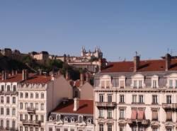 Fourvière vu depuis la terrasse ouest du centre d'échanges de Perrache