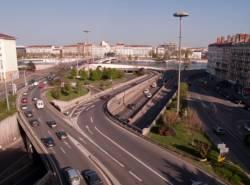 L'échangeur autoroutier vu depuis la terrasse est du centre d'échanges de Perrache