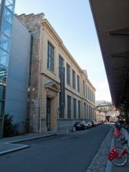 Les Archives municipales vues depuis la rue Dugas-Montbel