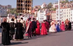 Fête des Pennons sur le pont Bonaparte