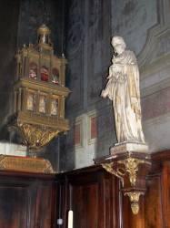 Petit reliquaire et statue de Saint-Joseph