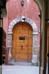 [Maison du Crible, 16 rue du Boeuf : porte dans la cour intérieure]
