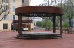 Le kiosque à musique de la place des Arts
