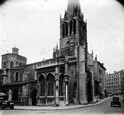 Vue latérale de l'église Saint-Paul