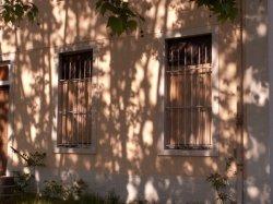 [Le Quartier Sergent-Blandan : deux fenêtres murées]