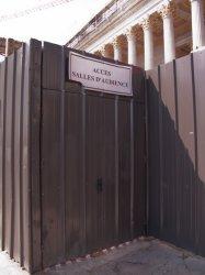 Palais de justice, accès provisoire à la Salle d'audience