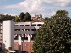 Le Centre d'échanges de Perrache et la basilique de Fourvière
