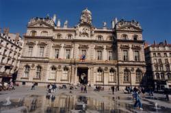 [Place des Terreaux et Hôtel de ville de Lyon]