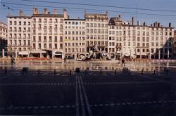 [Place des Terreaux, bâtiments civils et Fontaine de Bartholdi]