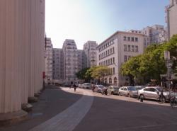 Le Central téléphonique vu depuis l'avenue Aristide-Briand