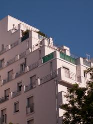Un des immeubles des Gratte-ciel vu depuis l'avenue Henri-Barbusse