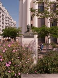 Le buste de Lazare-Goujon sur la place Lazare-Goujon