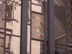 La verrière de l'escalier d'un des Gratte-Ciel vu depuis la rue Michel-Servet
