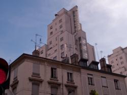 Une des tours des Gratte-Ciel vue depuis le cours Emile-Zola