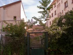 Un terrain en friche rue Francis de Pressensé