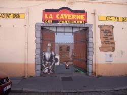"""Une """"salle des ventes"""" fermée dans un immeuble voué à la démolition rue Léon-Chomel"""