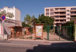 Terrain en friche sur la rue Léon Chomel converti en site du programme UrbanBees