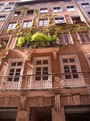 Un immeuble dans la rue René-Leynaud