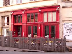Un restaurant rue Camille-Jordan