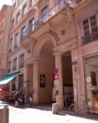 L'entrée du Passage Thiaffait sur la rue René-Leynaud