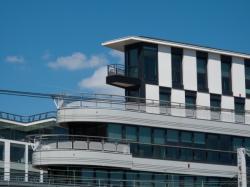 Immeuble Le Triangle vu depuis la rue Mouton-Duvernet