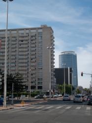 La Résidence Le Desaix, le Silo de la Bibliothèque municipale, la Tour Oxygène vus depuis le Boulevard Vivier-Merle