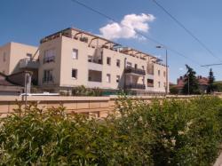 Un immeuble en bordure de la Ligne de l'Est (T3)