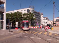 Immeuble de bureaux au carrefour des rues Paul-Bert et de la rue de la Villette