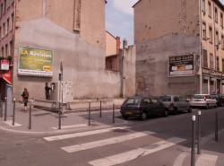 Un terrain délaissé rue Sébastien-Gryphe