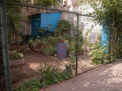 Le Jardin nomade Brin d'Guill' vue depuis la rue Mazagran