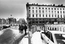 [La place Antonin-Poncet sous la neige]