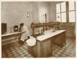 [Villeurbanne, bureau d'hygiène, vers 1934]