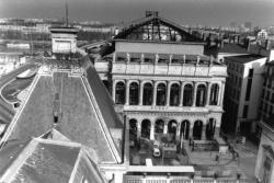 [L'Opéra de Lyon en cours de rénovation]