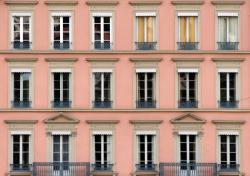 Fenêtres et façades en bord de Saône 01/10 : La vie en rose