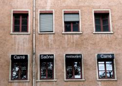 Fenêtres et façades en bord de Saône 06/10 : Carré Saône