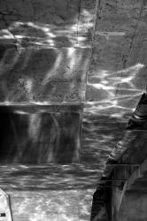 Ponts et passerelles 34/39 : Reflets de la Saône sur les piliers