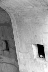 Ponts et passerelles 32/39 : Pilier béton et son pigeon