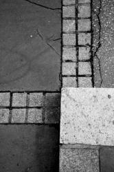 Ponts et passerelles 13/39 : Délimitation trottoir/chaussée