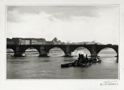 Péniche sur le Rhône, pont de la Guillotière