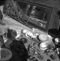 [Vaisselle, jouet, chandeliers, vases]